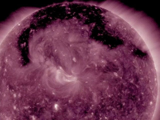 Giant, Dark Hole Opens Up in Sun's Atmosphere