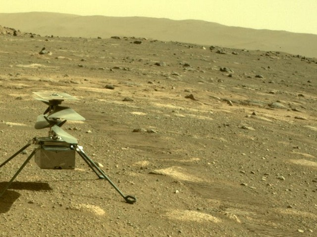 A mid-air error led NASA's Mars helicopter to tilt wildly back and forth in its latest flight — but it landed safely