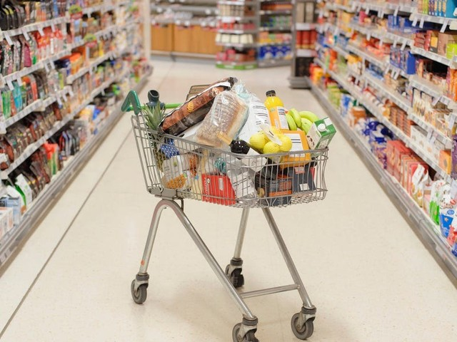Now that we're all spending more on groceries, it's a great time to get a credit card that earns you bonus points. Here are 6 top options.