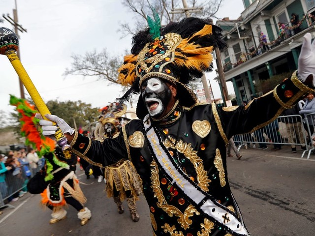 New Orleans cancels Mardi Gras parades for 2021: 'It's going to look different'