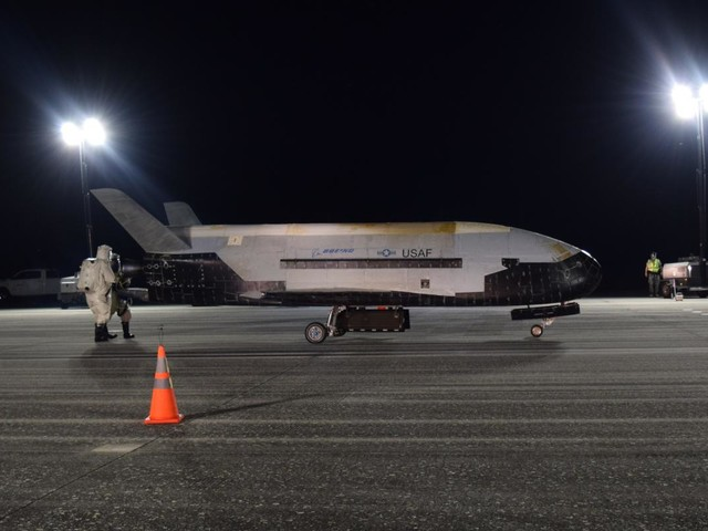 Air Force X-37B spaceplane lands after record-breaking 780 days in orbit