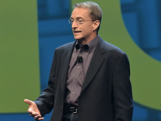 VMware CEO says Cisco's networking software is like 'a bicycle' compared to his 'Lamborghini' as they fight for cloud dominance (VMW, CSCO, AMZN)