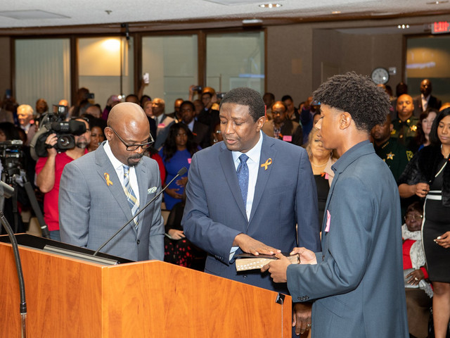 Broward County Commissioners Appoint New Mayor During Yearly Reorganization Meeting