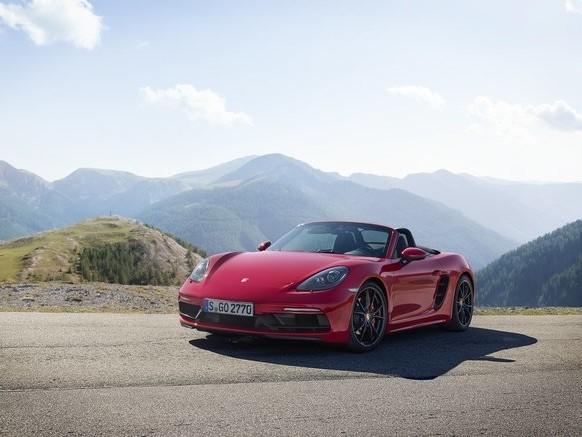 2018 Porsche 718 GTS Unveiled