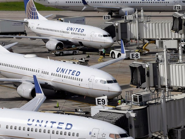 Leaked memo reveals United Airlines will force administrative workers to take unpaid days off. The airline is even suggesting employees quit their jobs ahead of layoffs. (UAL)