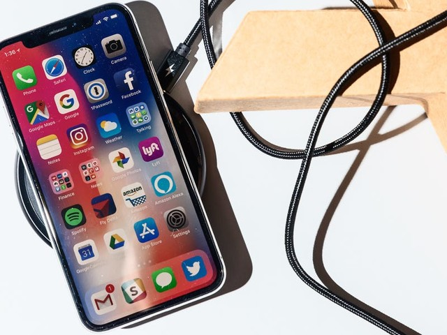 Apple killed its plans to launch a highly anticipated iPhone accessory last year, but one of the most accurate analysts says a similar product may be on the way (AAPL)