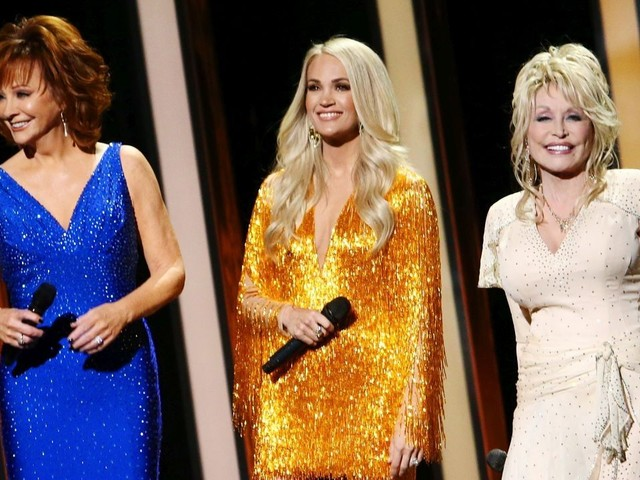 2019 CMA Awards: Carrie Underwood, Reba McEntire and Dolly Parton Open the Show With an Epic Performance