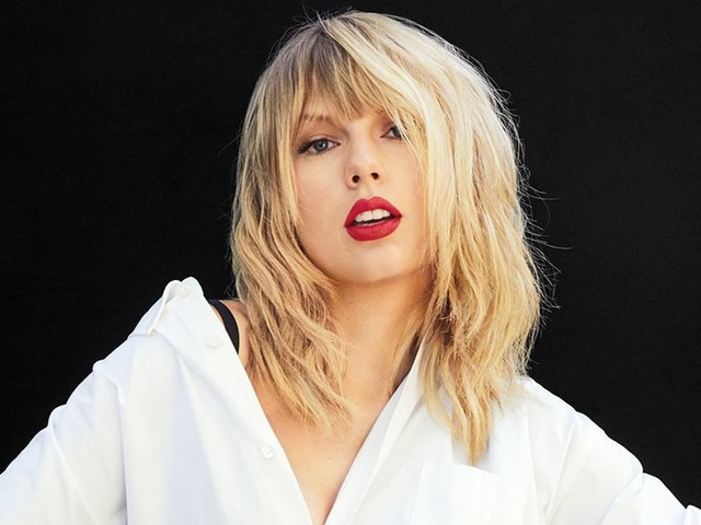 Looking Back Now, Taylor Swift Wouldn't Give Her Younger Self Any Advice