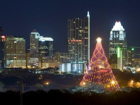 Stunning Christmas Light Displays From Around the World