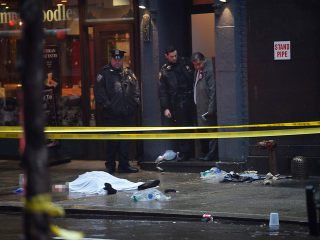 Woman killed on NYC sidewalk by falling building facade