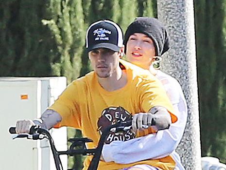 Justin Bieber & Hailey Baldwin Enjoy Romantic Bike Ride After Taylor Swift Fans Diss Him For Defending Scooter Braun