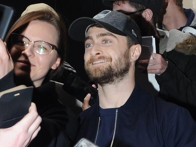 Daniel Radcliffe is Swarmed by Fans in London!