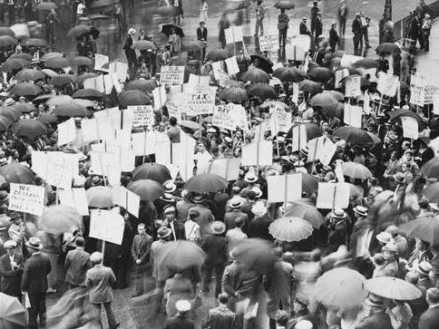 How To Crush A Bankers' Dictatorship: A Lesson From 1933
