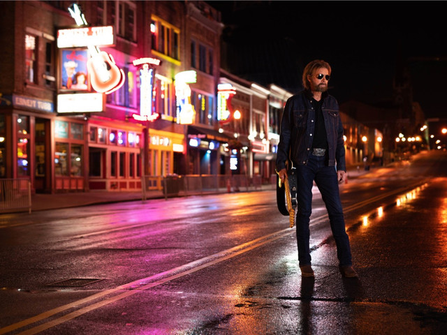 Ronnie Dunn revisits favorite country and rock songs on 'RE-DUNN'