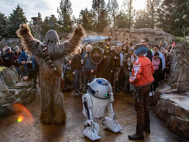 Guest Reactions After Riding Star Wars: Rise of the Resistance in Disneyland