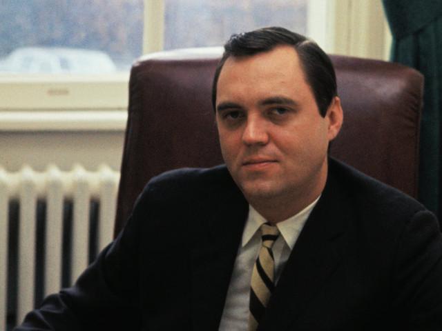 John Sears, Strategist for Nixon and Reagan, Dies at 79