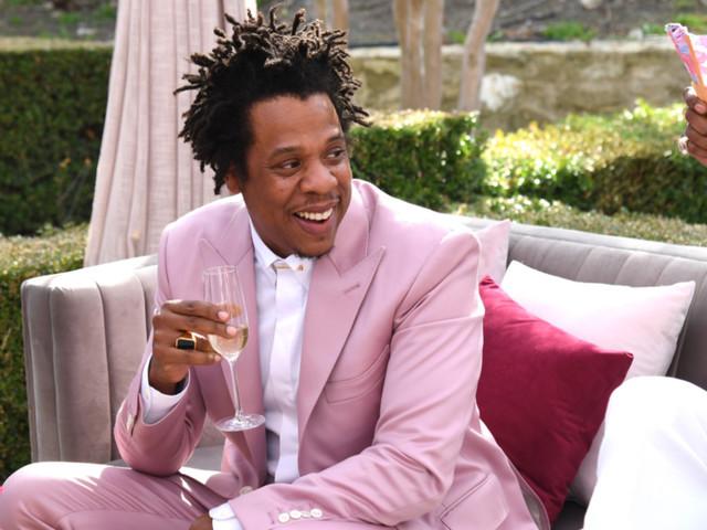 Jay-Z spends pre-Grammys brunch refuting popular assessment of his suit color