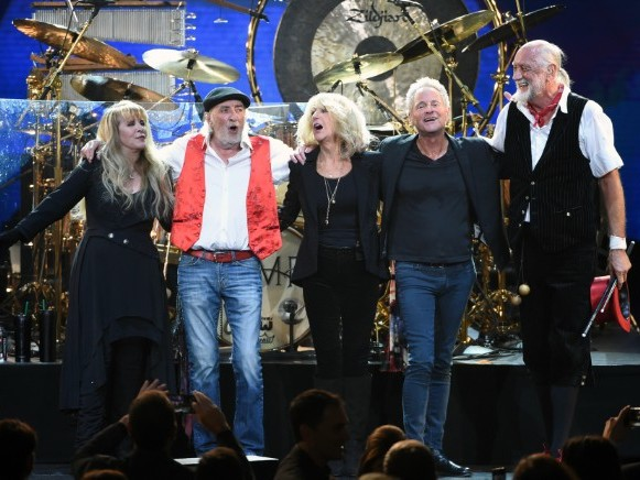 """""""Fleetwood Mac Looks Forward To Their Day In Court"""" With Lindsey Buckingham"""