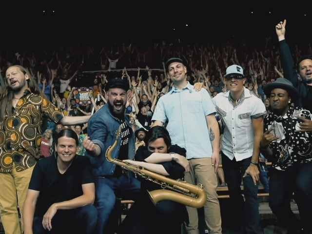 The Motet Covers Janet Jackson With Jennifer Hartswick, Natalie Cressman & Erica Falls