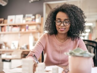 10 Tips from Women Investing Experts