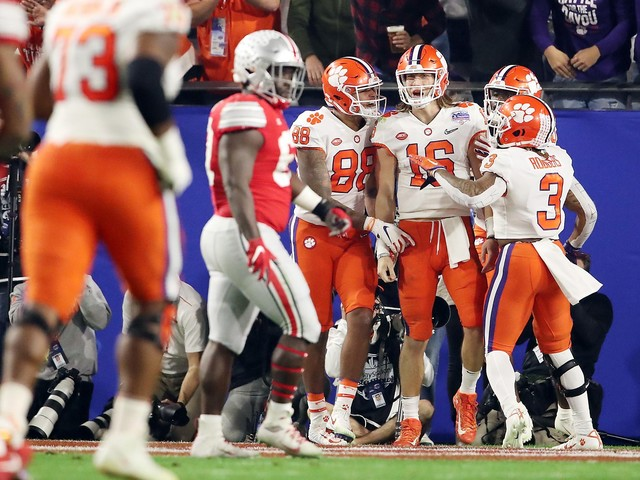 Clemson beats Ohio State on late TD pass to advance to national championship game
