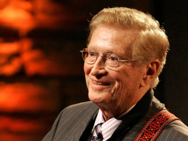 Harold Bradley, a Nashville Studio Master, Is Dead at 93