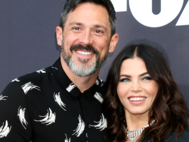 Jenna Dewan Shares Behind-the-Scenes Baby Bump Photo From Her People Shoot