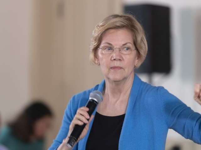 Elizabeth Warren Wants You To Know She Totally Loves Game of Thrones. Especially Daenerys. Yay, Women!