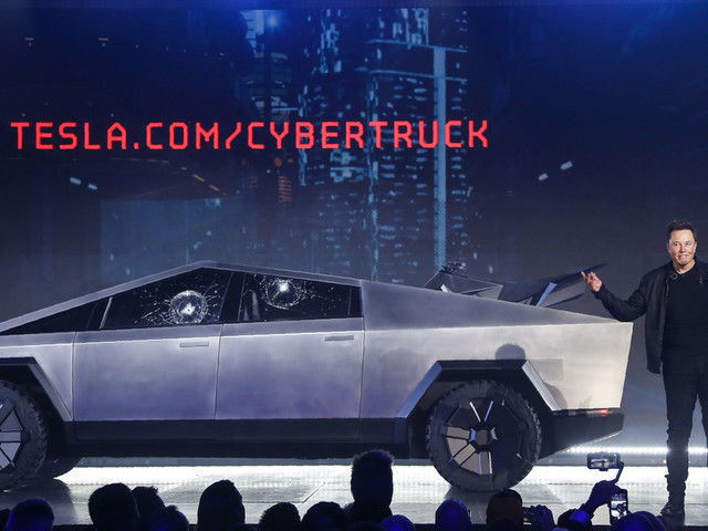Musk touts 146,000 orders for Tesla's electric pickup truck