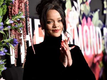 No, Rihanna Isn't Pregnant. That's It. That's The Tweet.