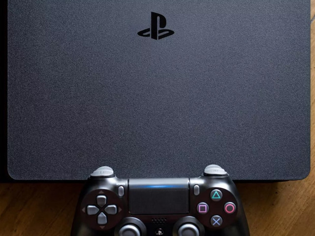 Someone rendered the PlayStation 5 based on earlier leaks, and it looks awesome
