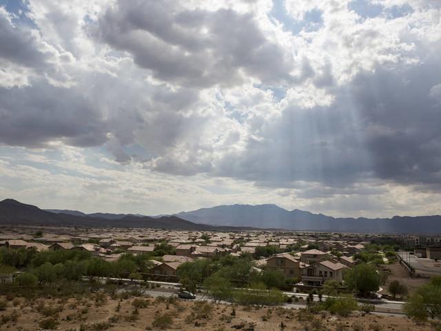 Sprinkles possible tonight in advance of sunny, warming Las Vegas week
