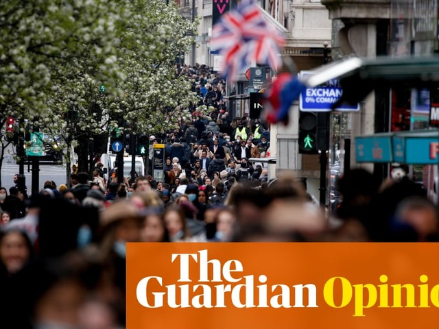 The pandemic has turned people into tutting scolds. I can't wait for that to change | Megan Nolan