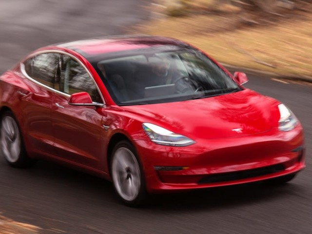 How the cheapest Tesla Model 3 at $40,000 stacks up against a loaded $44,000 Chevy Bolt EV (TSLA, GM)