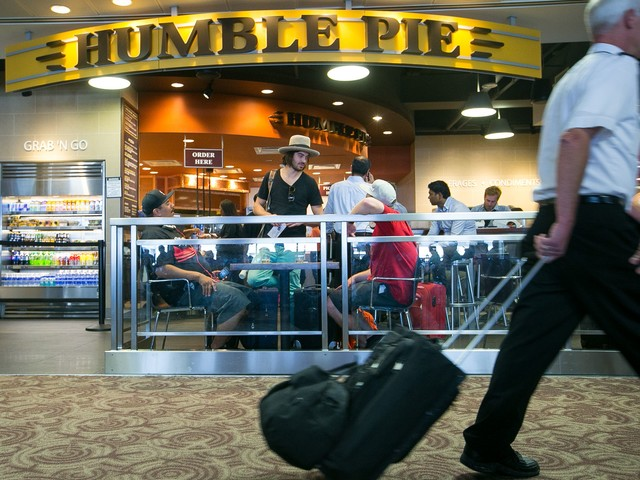 Phoenix: No more 'street pricing' for airport restaurants
