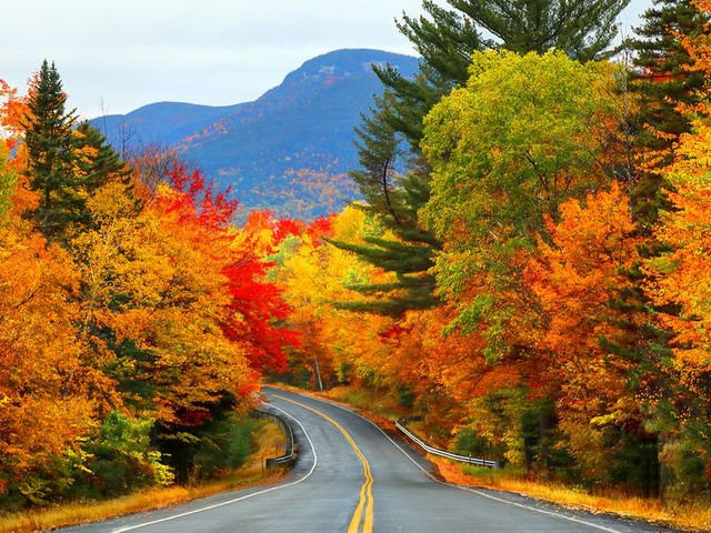 17 Places to See Spectacular Fall Foliage