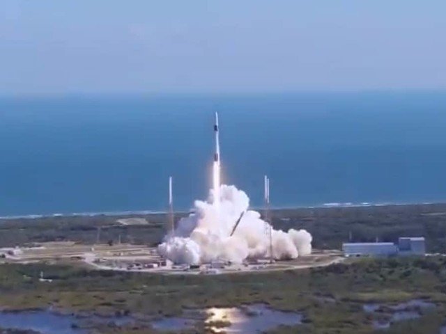 SpaceX Launches Genetically Enhanced Mice to International Space Station