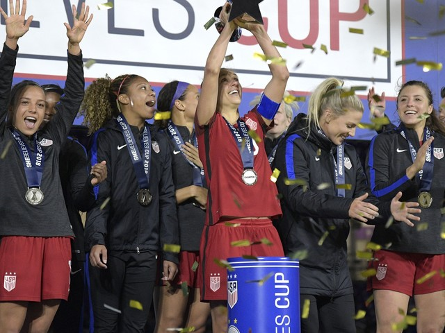 United States tops FIFA women's rankings, England No. 2