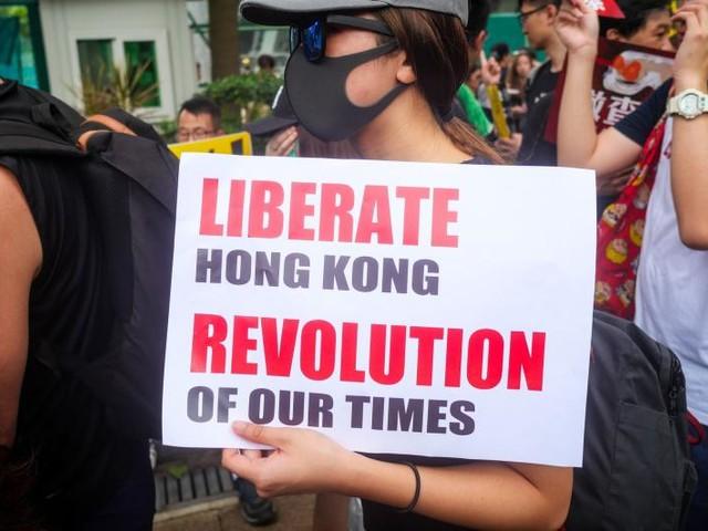 China warns Canada to 'stop meddling' in Hong Kong