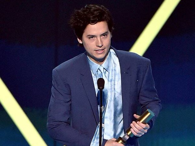 Cole Sprouse Has Some Wise Words for ''Newcomers'' Brad Pitt & Leonardo DiCaprio After People's Choice Awards Win