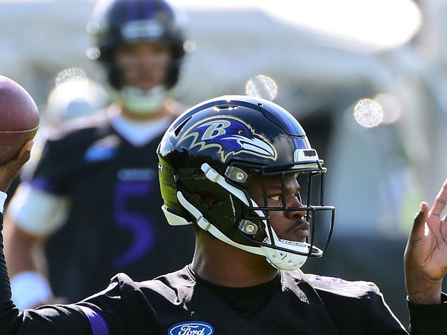 The Ravens are toying with a 2-QB set with Lamar Jackson and Joe Flacco. Will it really happen?