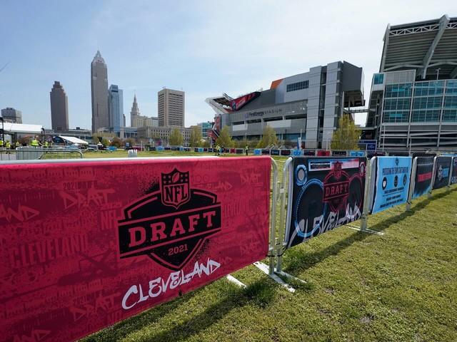 NFL draft live updates: First round set to begin in Cleveland