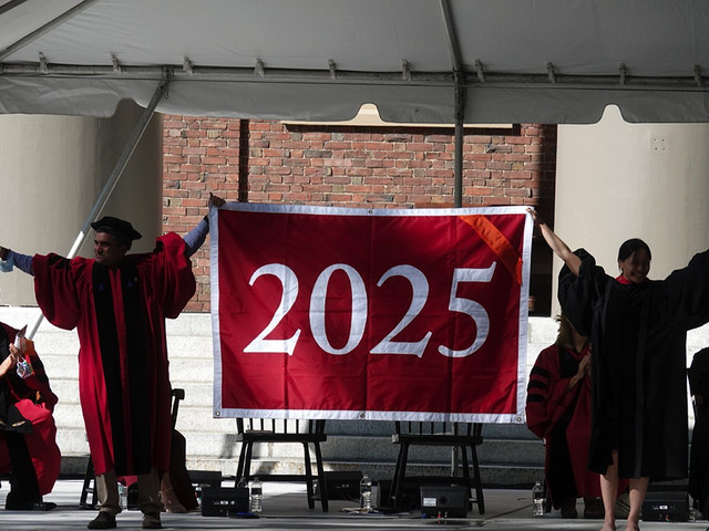 Convocation Welcomes Classes of 2024 and 2025 to Campus