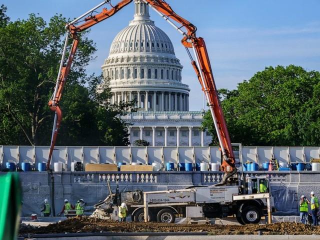 Infrastructure deal slips, GOP pans $1.7T White House offer