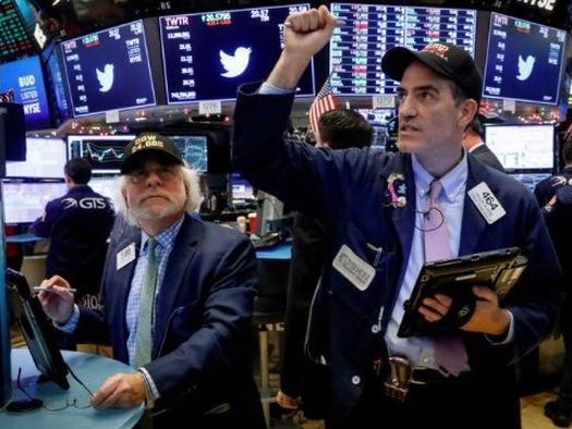 Futures, Global Stocks Extend Gains To End Volatile Week