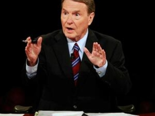 'NewsHour' host and debate moderator Jim Lehrer dies at 85
