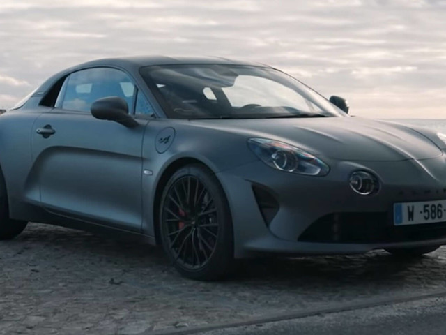 The Alpine A110S Is Very Good, But Can It Scare The Porsche 718 Cayman T?