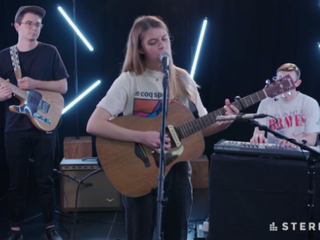 Watch Tomberlin Cover Neil Young In Her Stereogum Session