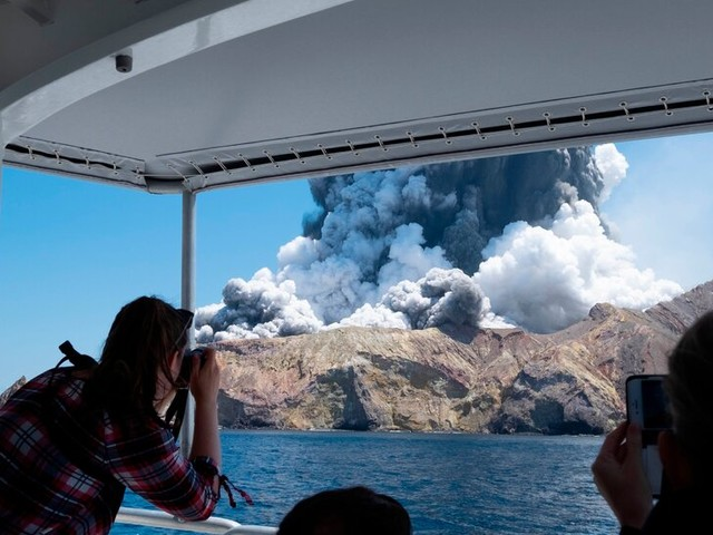 Deadly White Island Volcano Eruption Leads to Charges