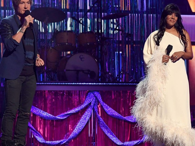Keith Urban and Mickey Guyton Honor Health Care Workers at ACM Awards